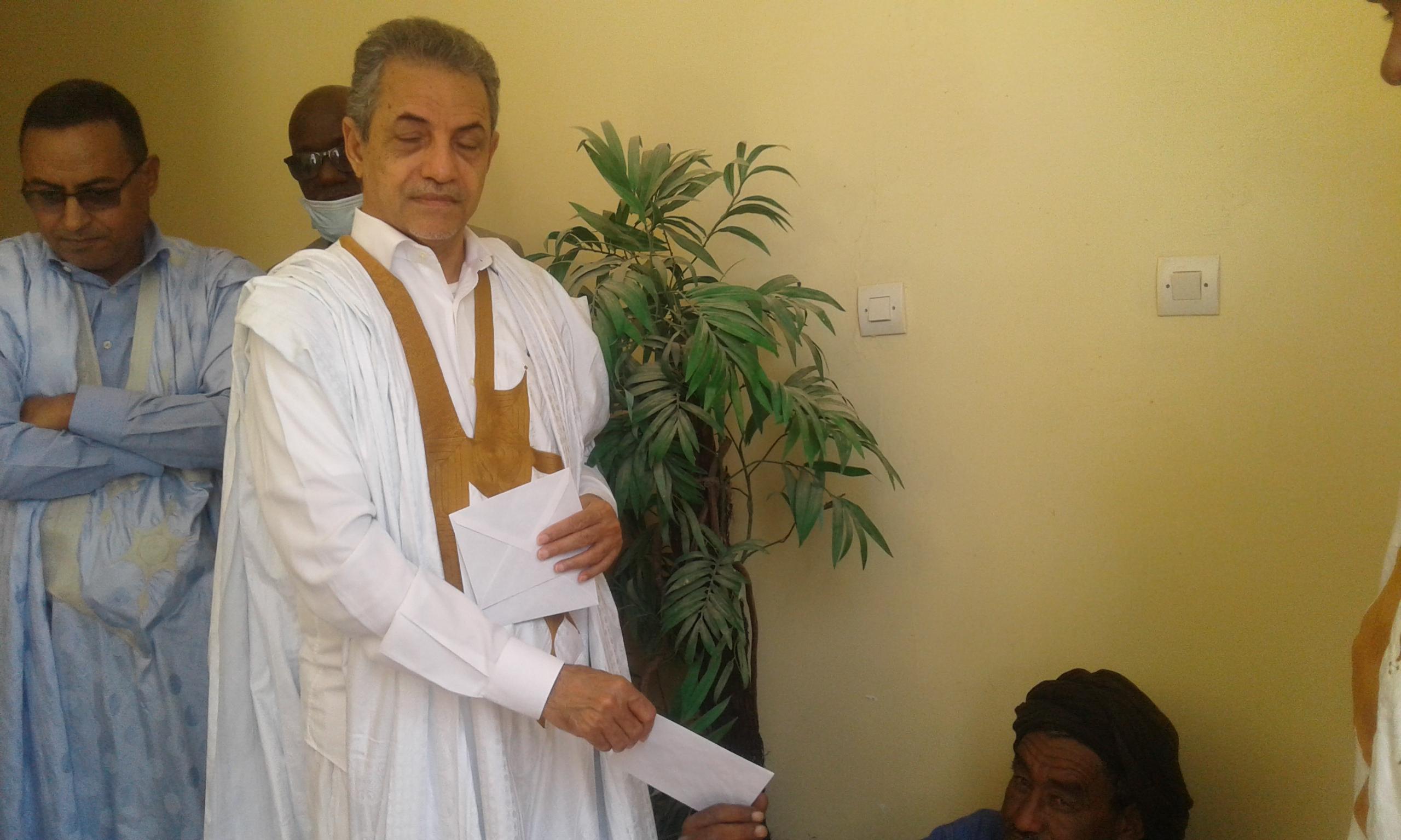 عمدة بلدية انواذيب القاسم ولد بلالي
