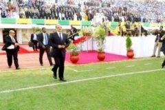 """اهتمام إعلامي واسع """"بالتصرف غير المسبوق للرئيس الموريتاني"""""""